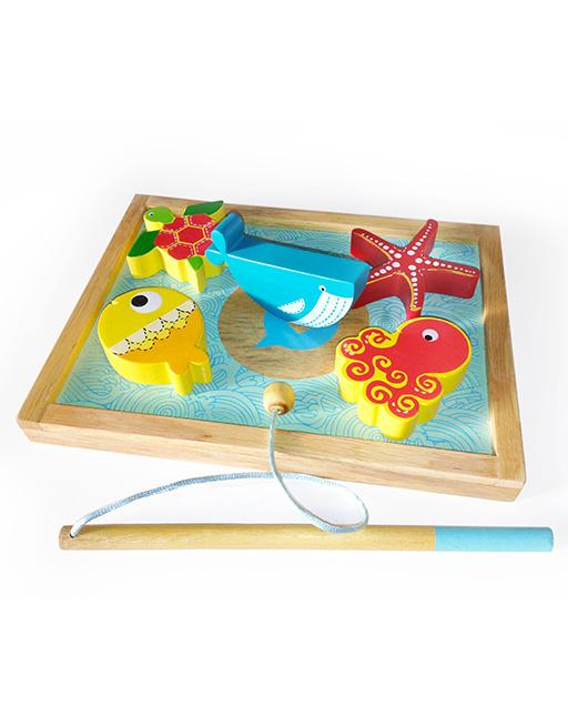 fishing puzzle back